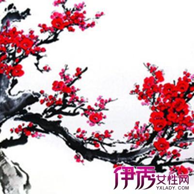 梅花花瓣纹身锁骨展示