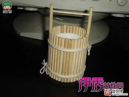 一次性筷子制作小水桶的方法