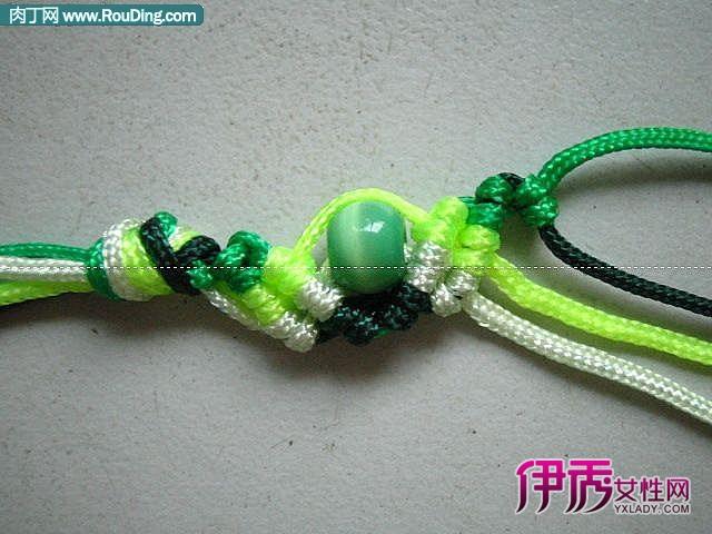 清爽的中国结串珠手链编织方法教程