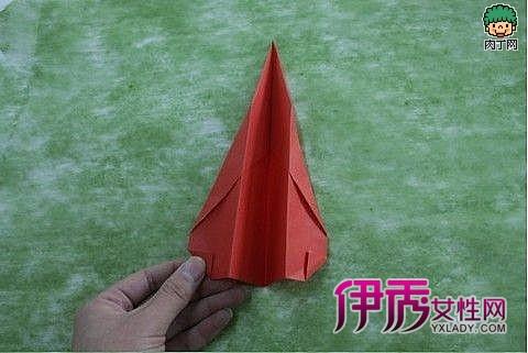 纸飞机的折法-及放飞纸飞机游戏