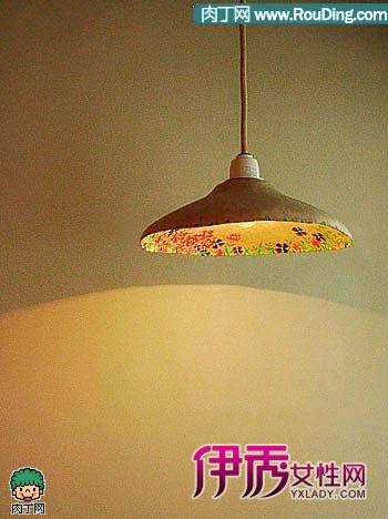 纸板手工制作的灯具和盘子