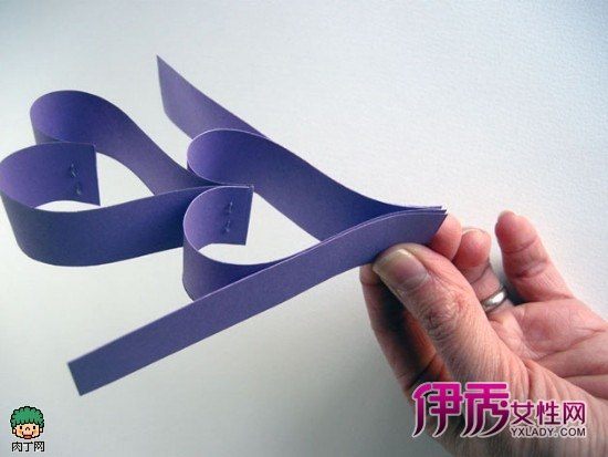 情人节纸艺爱心和不织布爱心墙面装饰手工diy图片