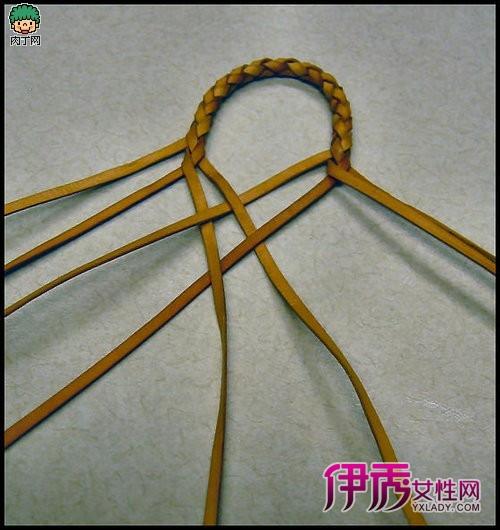 很漂亮的牛皮绳编织装饰链子教程,可以做男装手链