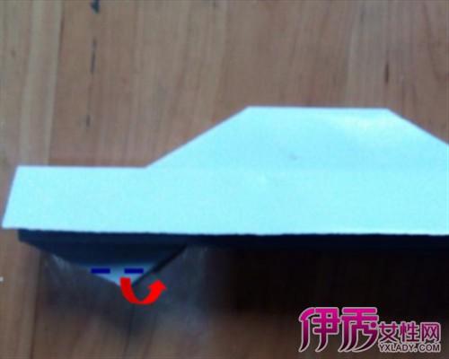 立体折纸小汽车图解 4步骤教大家折小汽车