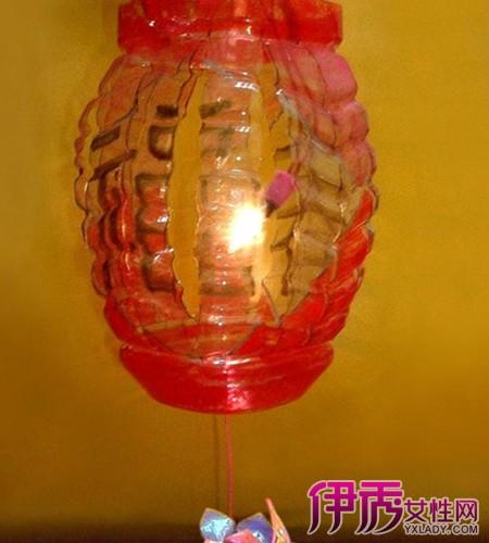 一个超简单的利用矿泉水瓶手工制作灯笼的图解教程图片