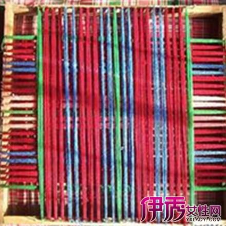 用旧衣服编织地毯