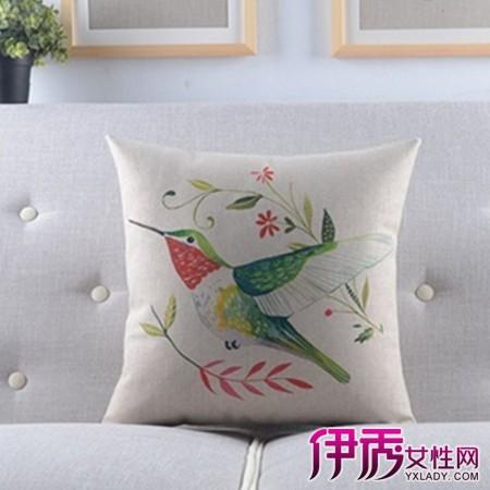 【图】室内手绘抱枕图片大全 手绘的艺术价值解读
