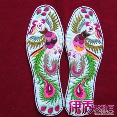 【十字绣鞋垫花样图案大全】【图】漂亮的十字绣鞋垫