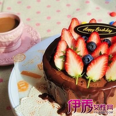 【图】小孩生日蛋糕图片欣赏 给你介绍两款特别的蛋糕做法