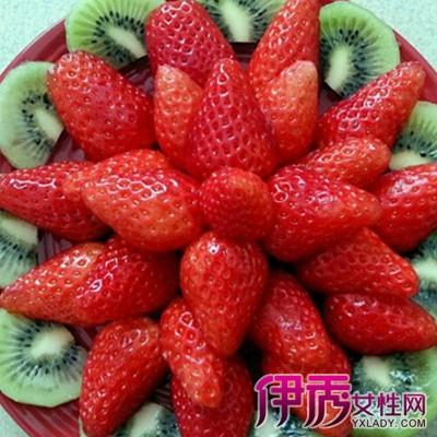 草莓水果拼盘图片大全 草莓主要营养价值的介绍
