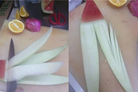 皮拉花的制作方法,首先我们要准备西瓜,还有水果刀,制作的步骤很简单