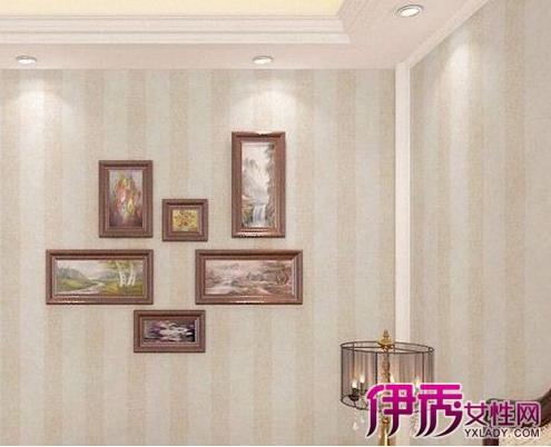 装修墙纸效果图:现代中式淡雅竖条纹墙壁纸,搭配朴素优雅的挂画