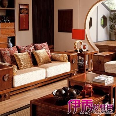 市面上的原木的沙发,多数是板木结合的,只采用了小部分的实木原材料