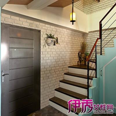 对于中式风格的家庭,选择一款古朴,内敛的木制楼梯是最佳选择.图片
