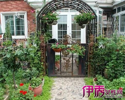 【图】院子装修效果图 打造庭院时则更加注重色彩的运用
