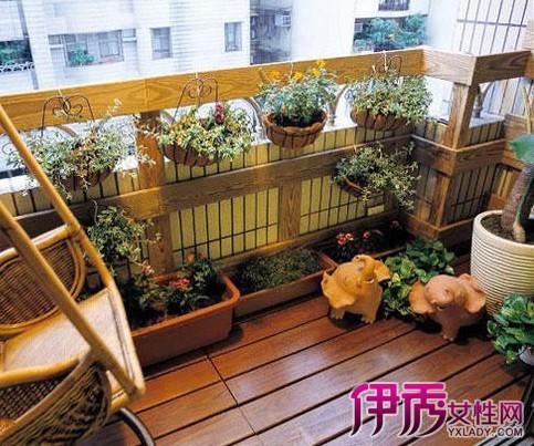 【图】防腐木阳台装修图 教你看防腐木庭院阳台装修选好材选购攻略