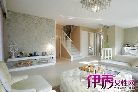 【图】温馨的客厅楼梯装修效果图 揭秘客厅有个楼梯该如何装修设计