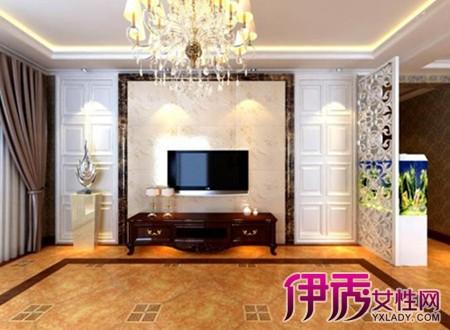 壁挂电视机安装高度  客厅电视机一般挂多高合适 欧式客厅55寸超清