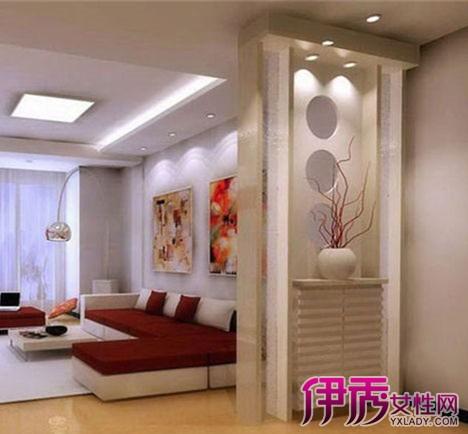 如上面的客厅隔断效果图所示:纯黑色的板材