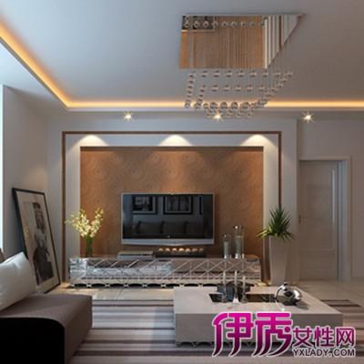 方法/步骤2 1简洁轻便 木质饰面板电视背景墙施工 木质饰面板纹理清爽、颜色自然,可以达到实木的外观效果,造价却远远低于实木,在日常家居中运用较为广泛。木质饰面板比较轻便,装饰效果好,是理想的背景墙材料,可使用钉装方法安装。 2木质饰面板安装准备 在施工之前,先对墙面进行弹线分格与基层处理等准备工作。按照设计图样尺寸在墙上划出水平高,按木龙骨的分档尺寸弹出分格。而基层处理方面,应对墙面进行找平,再做好墙面的防潮工序,并在安装时让墙面保持干燥。同时,所有木料做好防火工序。 3背景墙龙骨安装 木质饰面板常采