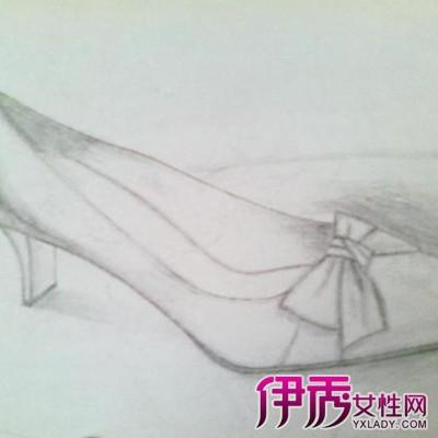 素描鞋子图片