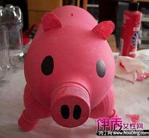 可乐瓶,矿泉水瓶手工小制作-实用的猪猪储蓄罐(第1页)图片