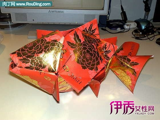 decoration   lai see (red; 新年鱼挂饰   纸艺折纸;  包装袋制
