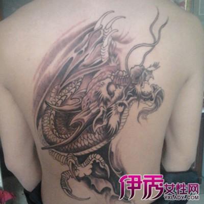 赵云满背纹身图片