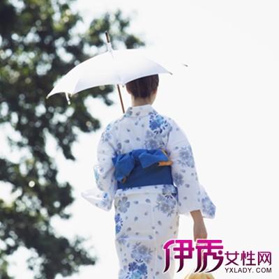 古风女子撑伞背影图