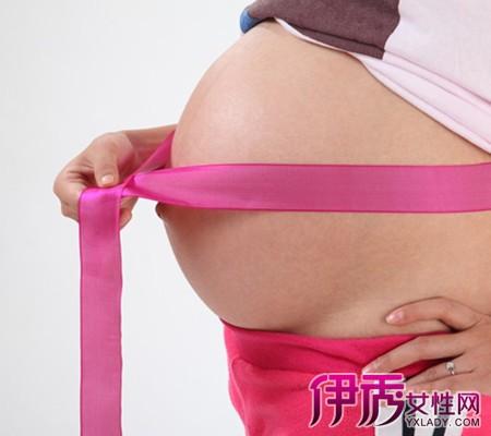 孕妇肚子上长红点点