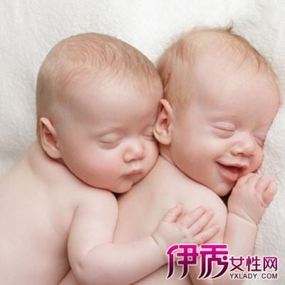 【图】展示新生儿睡姿的图片 宝宝什么样的睡姿才是正确的?
