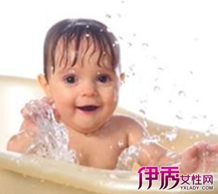 一岁宝宝发烧怎么物理降温|life.yxlady.com