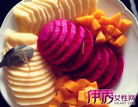 图】教你哈密瓜果盘切法 其他水果果盘摆法也很简单-哈密瓜果盘切法