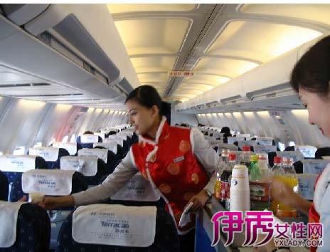 60岁老人应该没什么问题的,70岁以上老人乘飞机必须.