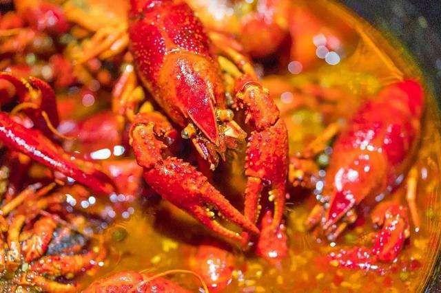 小龙虾怎么清洗,麻辣小龙虾怎么做.jpg