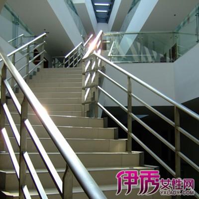 双跑楼梯图片集 单跑楼梯和双跑楼梯的区别有哪些
